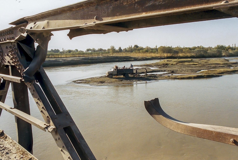 Afghanistan, Kunduz, brigde which crosses the Kunduz river
