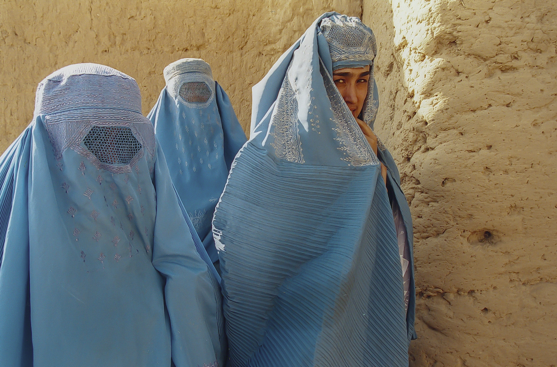 Afghanistan, Kunduz, women in burka, women in Afghanistan