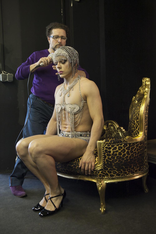 """""""La cage aux folles"""", Kostüme und Proben Hüte & Kostüme 2/2014"""