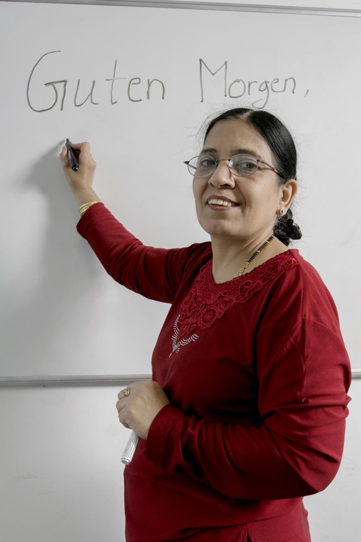 Asha Talreja 50 Jahre aus Kandahar, Afghanistanmacht EdV und Sprachkurse