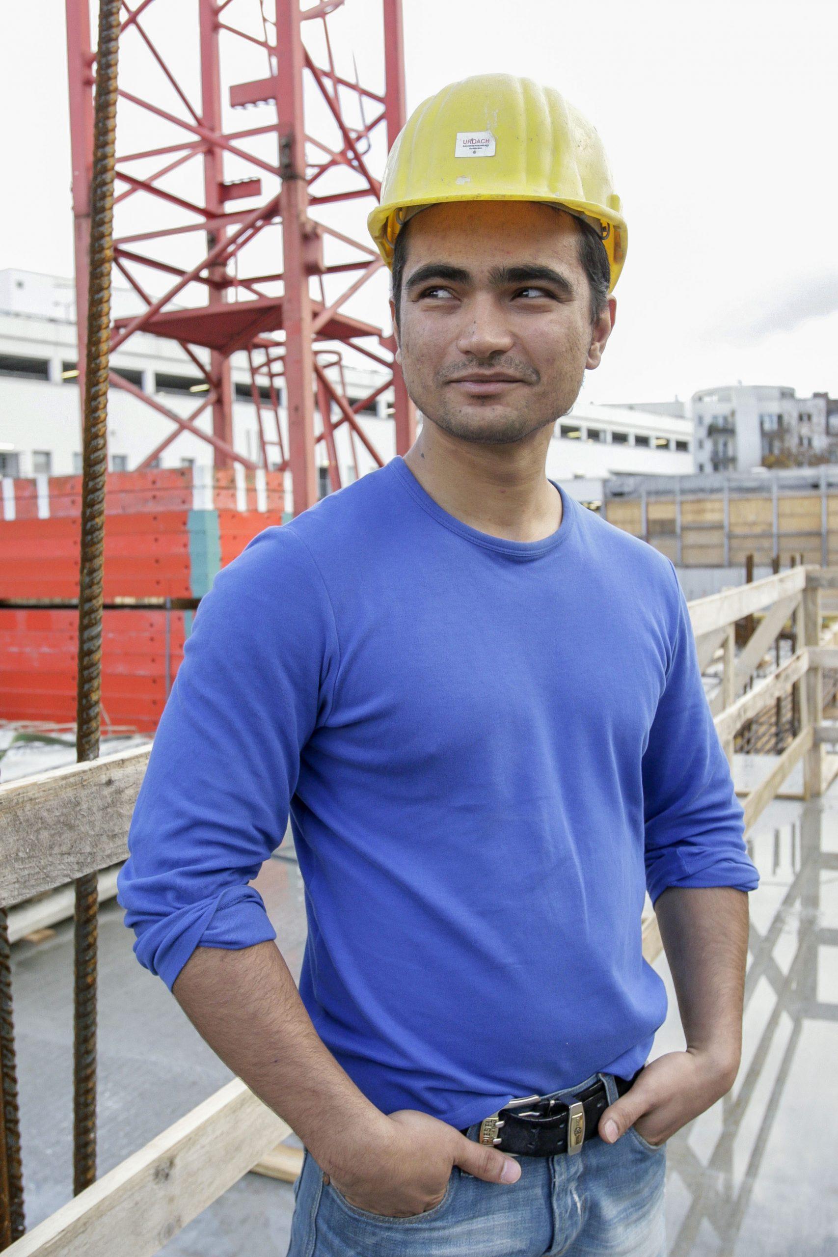 Arash Verozmand 25 Jahre aus Kabul, Afghanistanlernt Stahlbetonbauer